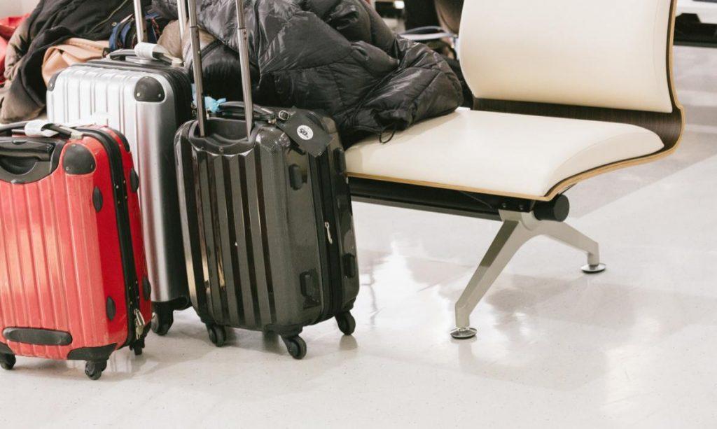 機内持ち込みスーツケースサイズ測り方