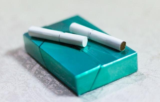 電子タバコの煙は何?