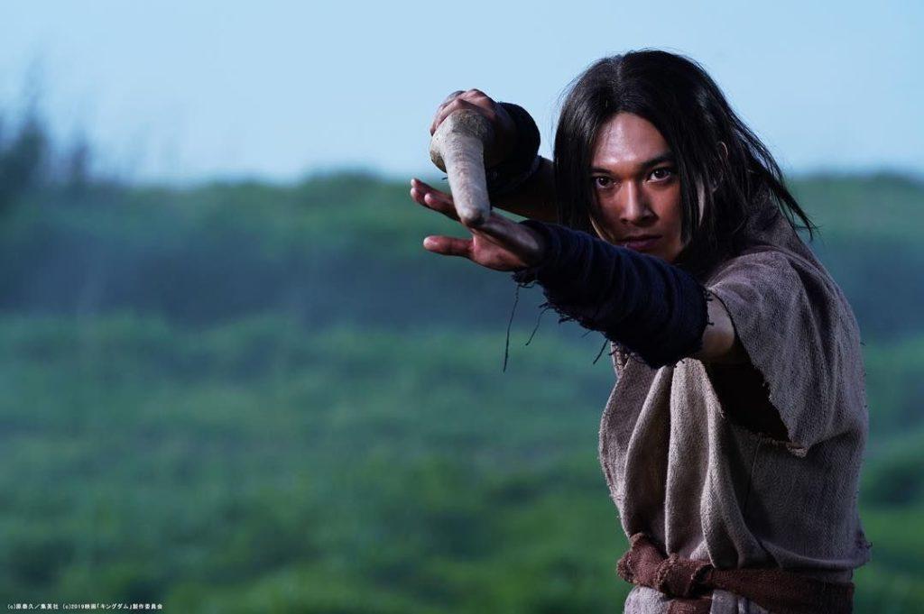 吉沢亮がキングダムで漂(ひょう)と嬴政(えいせい)一人二役がすごい!