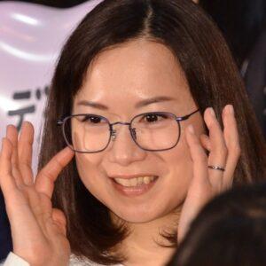 和久井映見が歯が黒いっていう話を見かけたけど。歯の話ってわざわざ上がってくるものなの?聞いたことないよ。